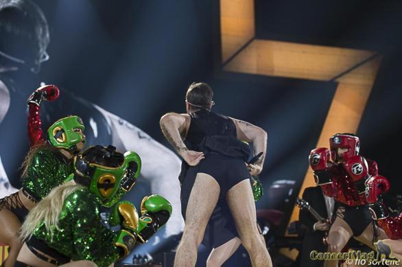 Robbie 12 - Robbie Williams fait le show à l'Accor Hôtels Arena