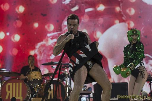 Robbie 4 - Robbie Williams fait le show à l'Accor Hôtels Arena