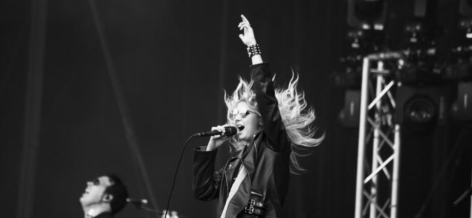 03 The Pretty Reckless cheveux - Rock en Seine, l'excentrique