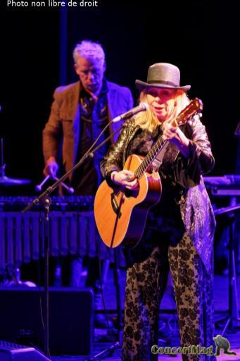 308A7414 DxO - Sur des Rythmes Jazz et Rhytm & Blues avec Rickie Lee Jones à La Cigale