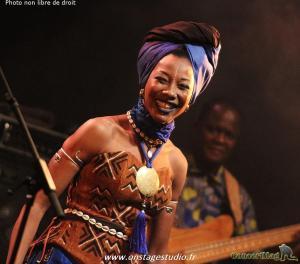 IMG 5710 Copier 300x264 - Fatoumata Diawara en concert