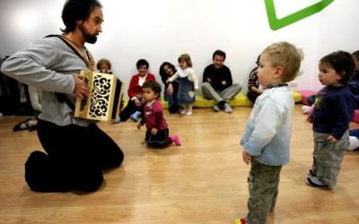"""Os Concertos para Bebés vão ser transmitidos online para """"procurar formas alternativas de estar no mundo"""" – Público"""