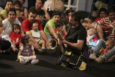 musician-with-baby-min