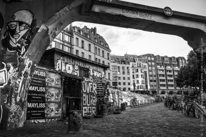 Graffiti and houses on Saint Martin canal
