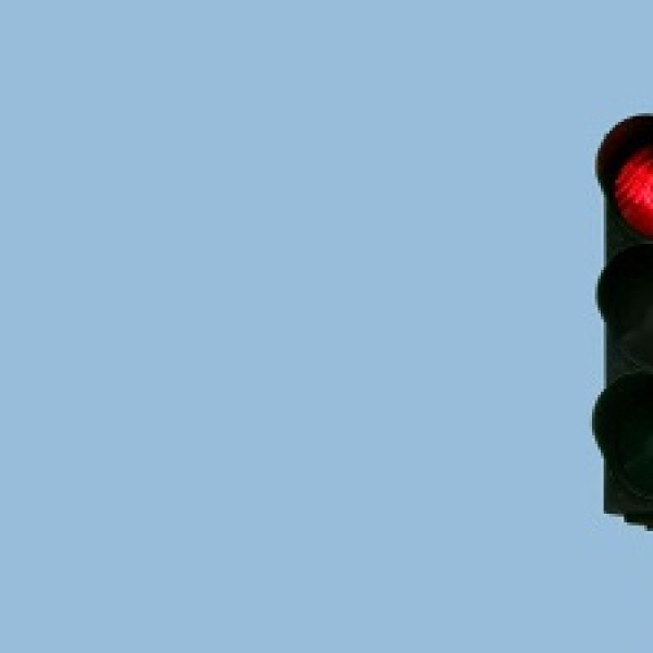Traffic-light--red-light-jpg_20160122165117-159532