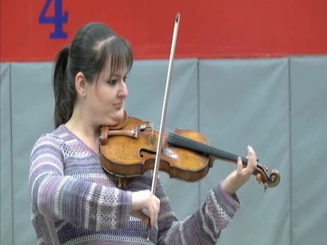 Violinist Vists Her Hometown San Angelo 020217_06222313