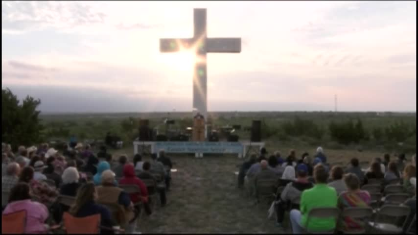 2017 Easter Sunrise Service_72139986