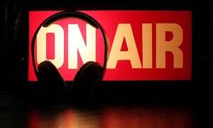 1601-Canada-Radio e