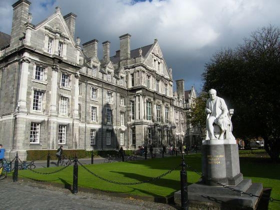 Rise in Irish students at English universities