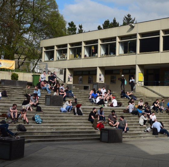 Bursaries for new students cut by up to £500