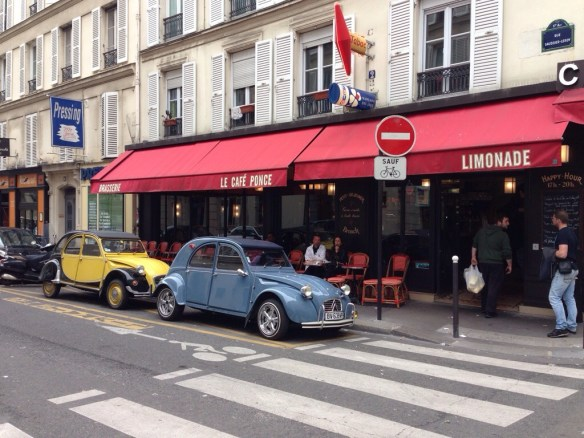 Ma 2 CV au Café Ponce