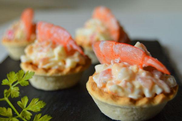 Tartaletas rellenas de marisco y salmón – receta