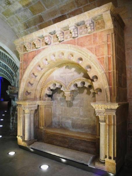 Tumba de Mudarra - Sepulcro de doña Godo restaurado