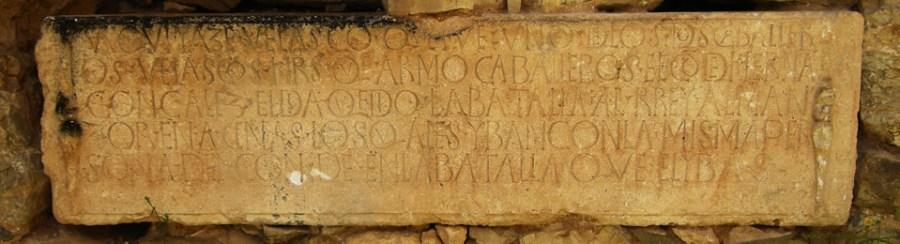 Lápida caballero Velasco en San Pedro de Arlanza