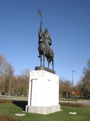 Estatua de Diego Porcelos en Burgos, de Juan de Ávalos (1983)