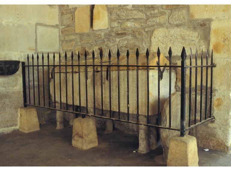 Supuesto sepulcro del infante Ordoño en la iglesia de Santa María Magdalena de Arrigorriaga