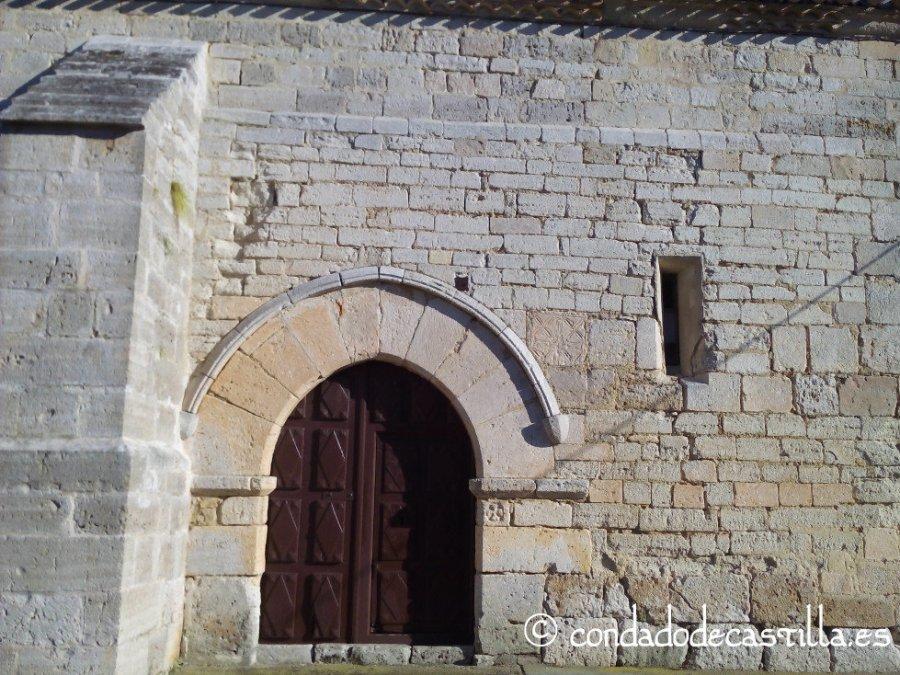 Fachada norte de la iglesia de San Adrián de Villavieja de Muñó