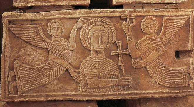 Túnica talar en un relieve de Quintanilla de las Viñas (Burgos) s. VII