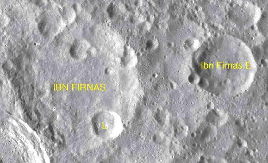 Cráteres Ibn Firnás en la Luna