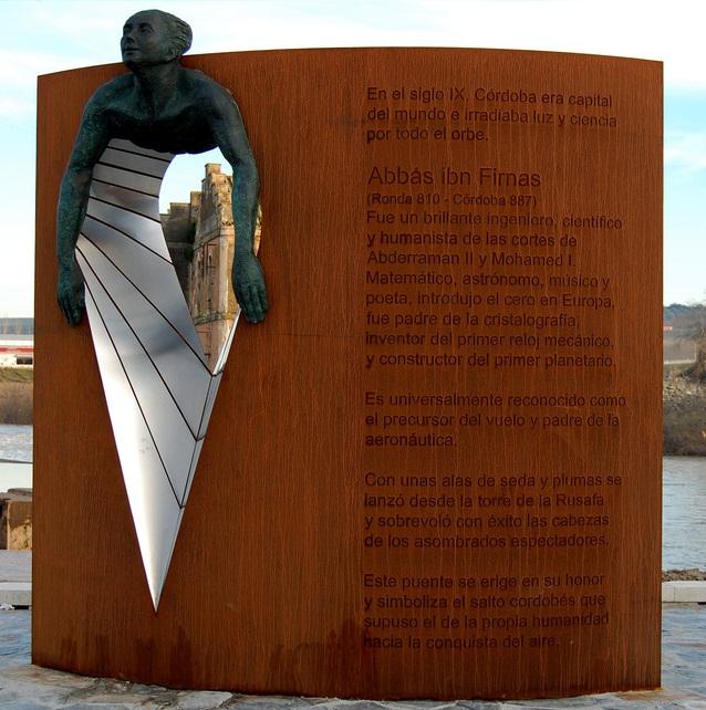 Monumento a Ibn Firnás en Córdoba