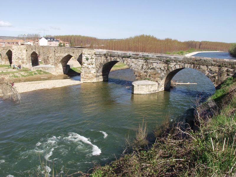Puente del Paso Honroso en Hospital del Órbigo (León)