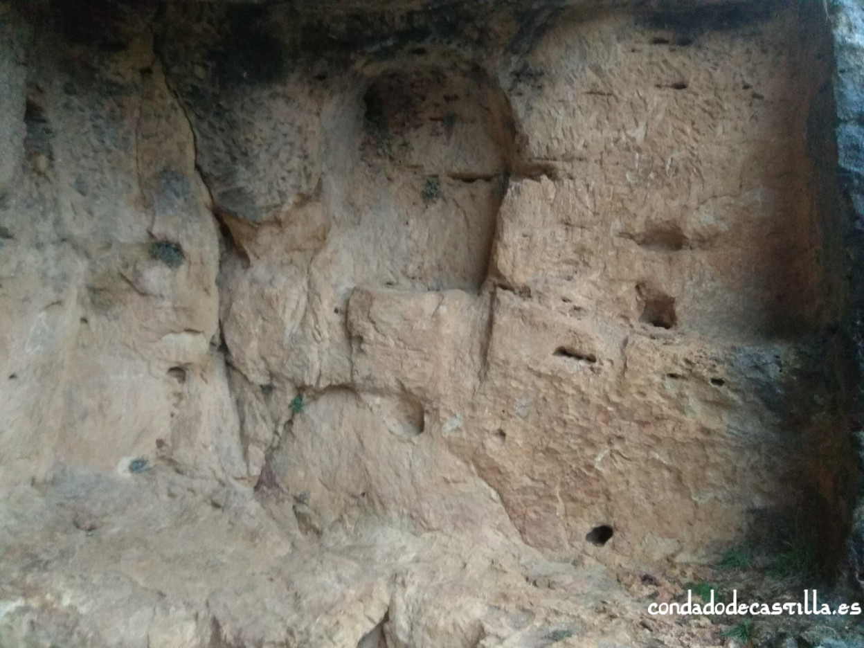 Altar exterior Cueva Siete Altares