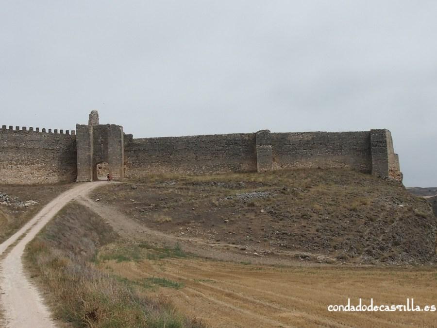 Muralla de Fuentidueña y puerta de Alfonso VIII