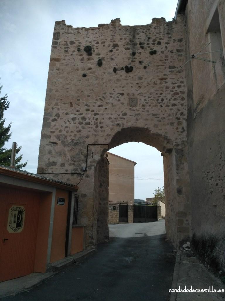 Puerta de La Calzada de la muralla de Fuentidueña