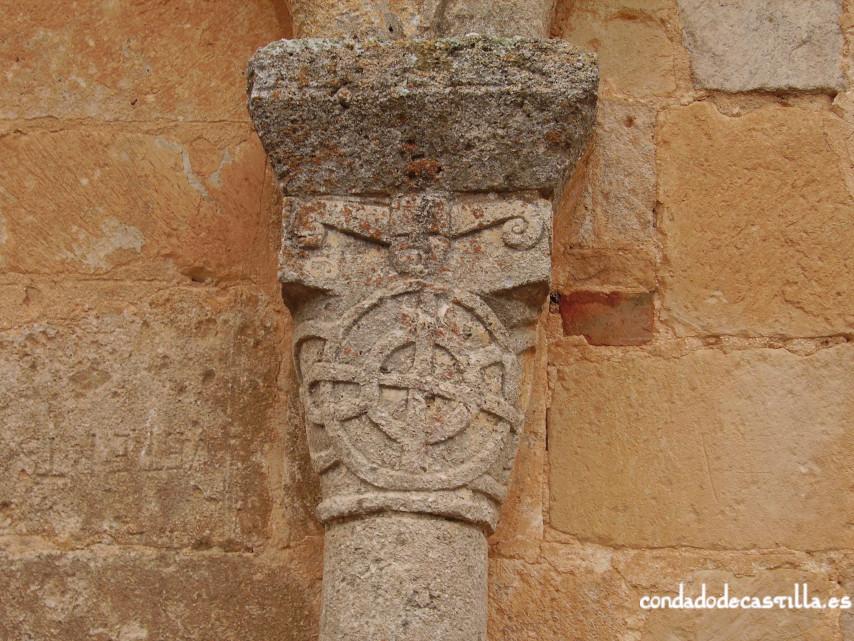 Capitel muro este del ábside de la Ermita del Santo Cristo