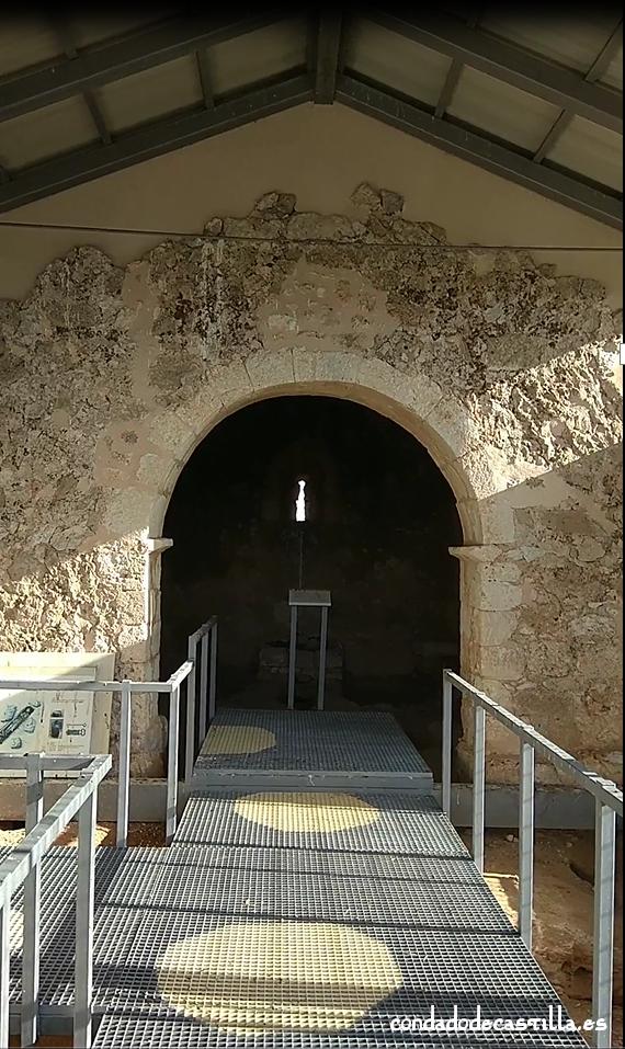 Interior de la ermita de Santa cruz de Valdezate