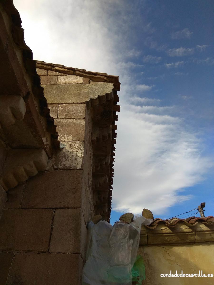 Modillones del muro norte de la nave de Santa Leocadia de Helguera