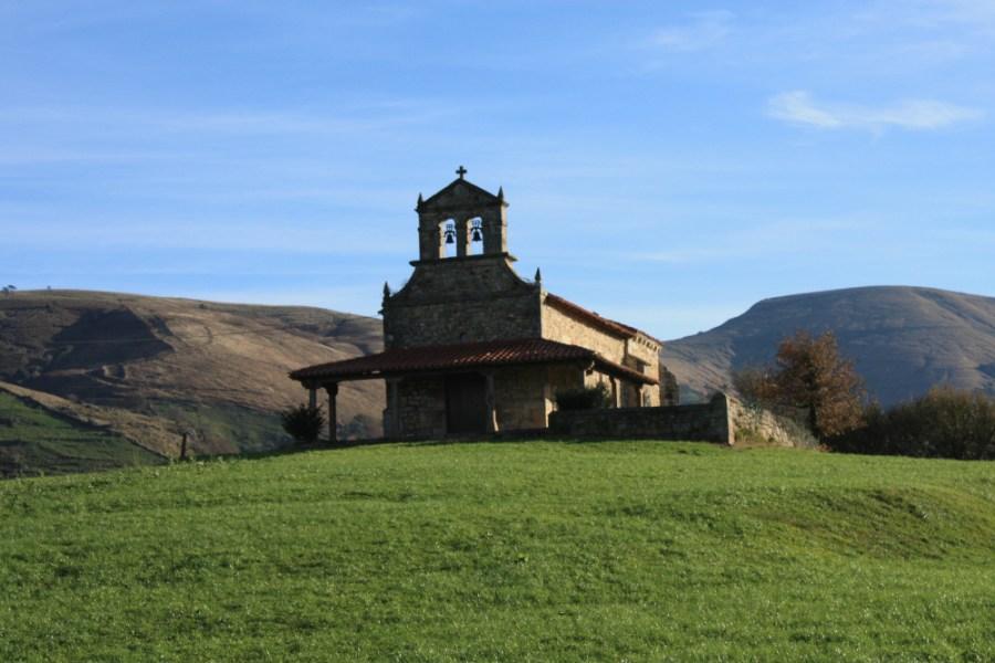Ermita de San Vicente Mártir en el término de la vecina localidad de Lloreda, localizada donde se encontraba San Vicente de Fístoles o Esles