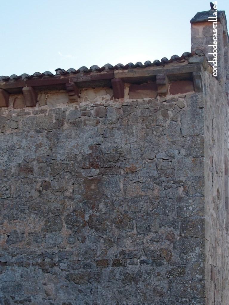 Canecillos del muro norte.  Ermita de la Virgen del Cerro. Cueva de Juarros