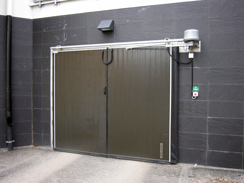 Folding Door with control system