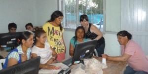 """Proyecto """"Fortalecimiento al Programa de Acceso a TIC´s. Experiencia piloto en Caucete y 25 de Mayo""""-San Juan Etiqu"""