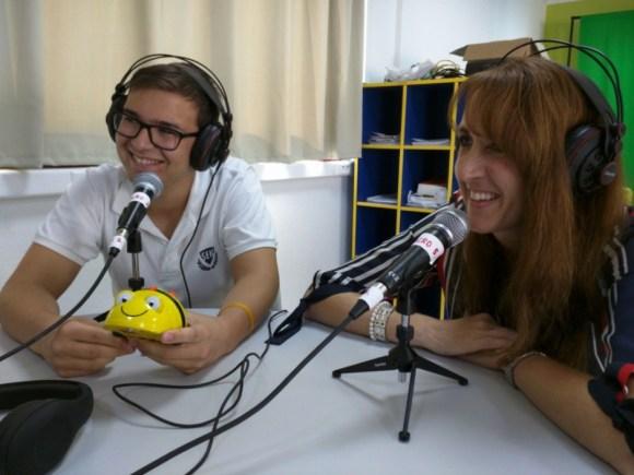 Dª Lee Ann y Fran Acién compartiendo mesa en nuestro podcast