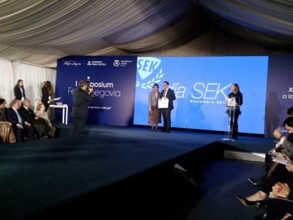 Entrega del premio a la innovación pedagógica en la etapa de secundaria en los XX Premios SEK