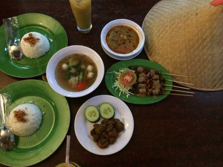 Rendang Jamur, Tongseng Jamur, Sate Jamur, Asem-asem Jamur. Yummyy!!