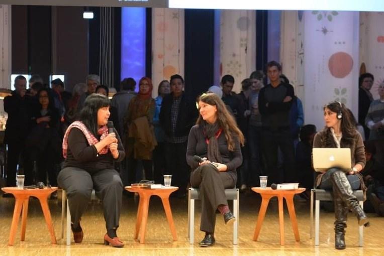 Sesi Laksmi Pamuntjak dan Leila S.Chudori (@pulauimaji)