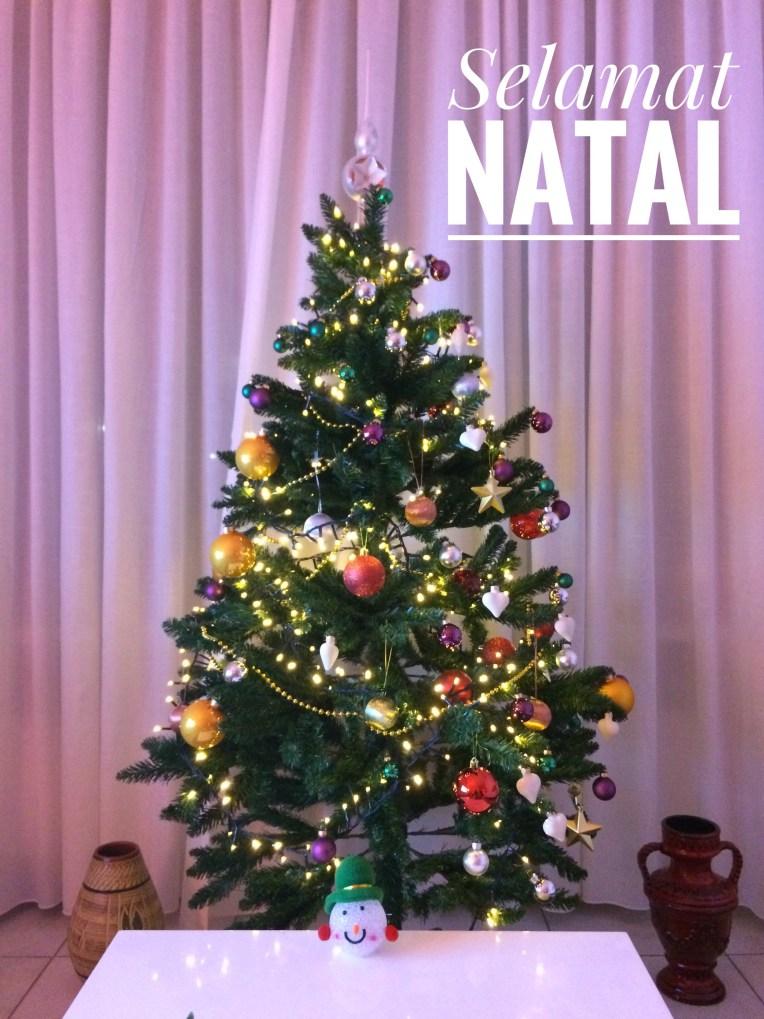 Pohon Natal di rumah kami tahun kemaren