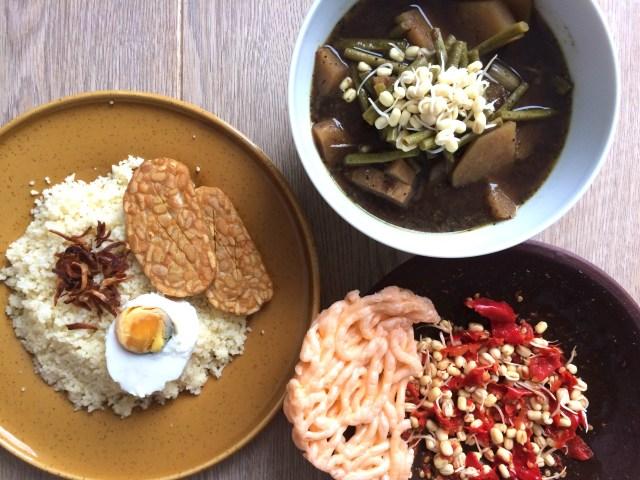 Rawon sayuran dimakan dengan couscous
