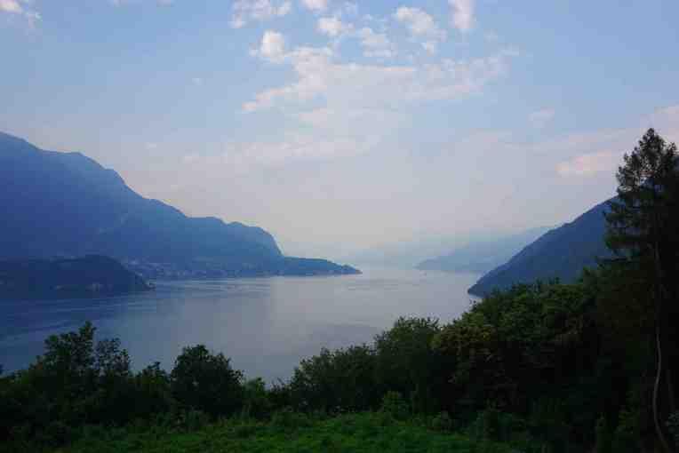 Pemandangan dari ruang makan di penginapan - Lake Como - Italia