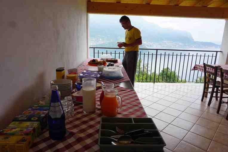 Dari ruang makan bisa langsung melihat danaunya - Lake Como - Italia