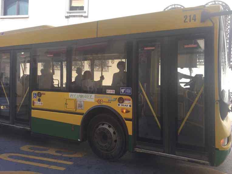 Bus di Pula