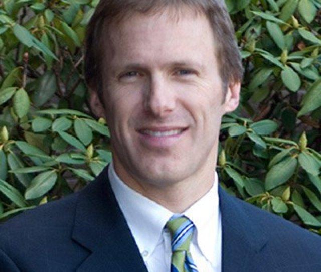 David C Lowe