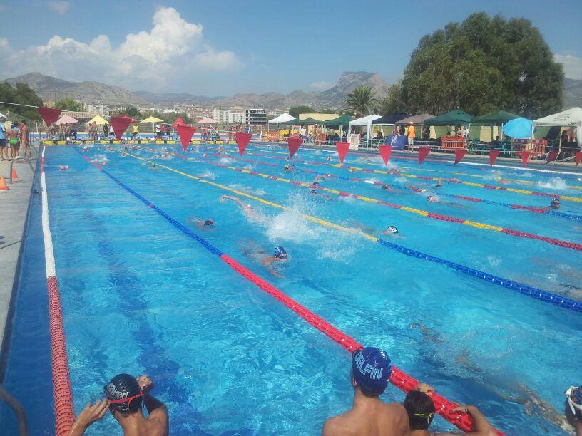 El club natació la costera de Canals per primera vegada a un campionat autonòmic