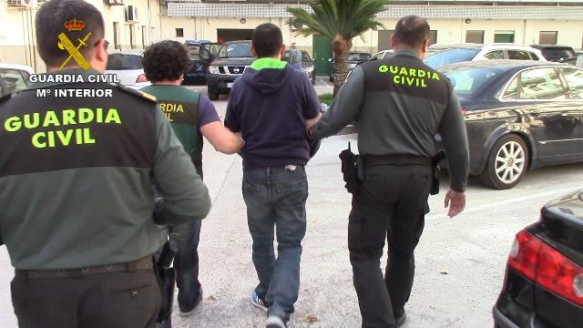 La Guardia Civil detiene en Canals a un fugado de la Justicia italiana, miembro de una importante red de tráfico de cocaína en ese país