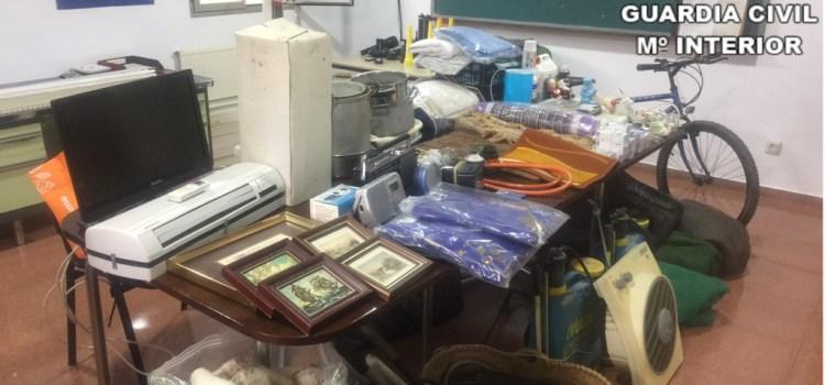 La Guardia Civil detiene a cinco personas implicadas en 24 robos en viviendas de la provincia de Valencia