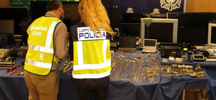 La Guardia Civil de Valencia elabora un tríptico sobre consejos de seguridad para evitar robos en domicilios en estas vacaciones estivales
