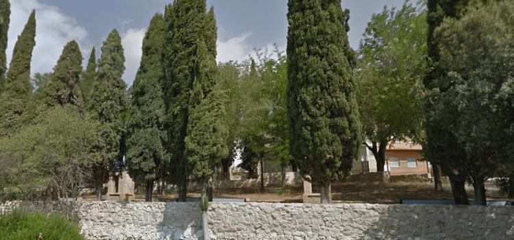 Un incendi provocat calcina cipresos en l'Ermita de l'Alcudia de Crespins